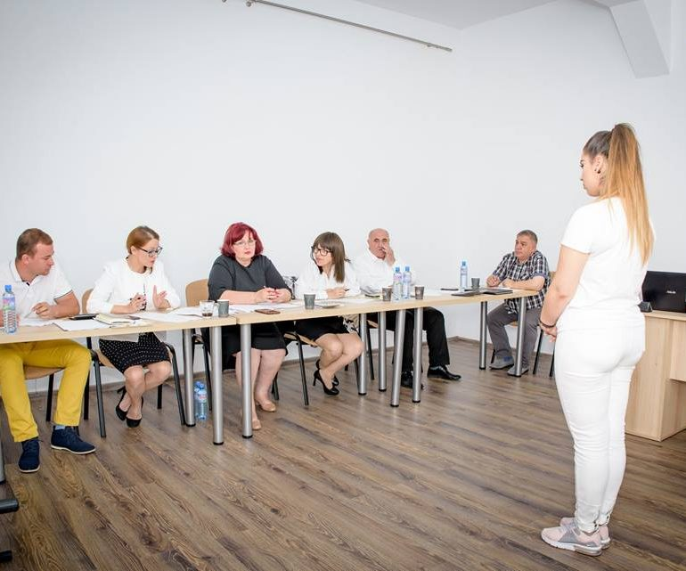 """FOTO: Concurenții admiși în urma preselecției celei de-a XVIII-a ediție a Festivalului Național de Folclor """"Strugurele de Aur"""""""