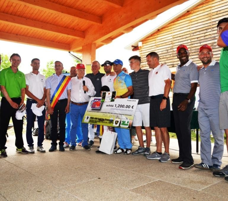 "FOTO: Câştigătorii competiţiei PRO-AM Golf for Everyone, la Clubul de Golf ""Paul Tomița"" din Pianu de Jos"