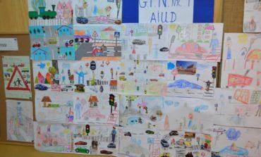"""FOTO: """"ATENŢIE, CIRCUL ŞI EU!"""", concurs de colaje adresat preşcolarilor organizat în cadrul proiectului """"Educaţie Rutieră, Educaţie pentru Viaţă"""""""