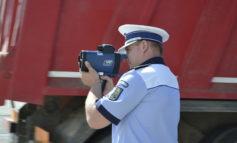 FOTO: Un nou aparat radar tip pistol este acum în dotarea Inspectoratului de Poliţie Judeţean Alba