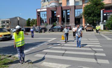 FOTO: Patrule şcolare din judeţul Alba s-a întrecut în cunoştinţe privind circulaţia rutieră
