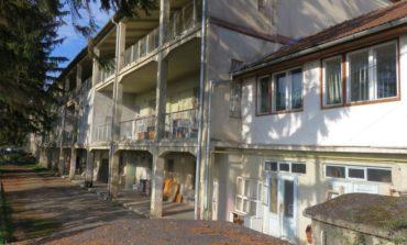 FOTO: Fondurile REGIO asigură reabilitarea energetică a clădirii Spitalului de Pneumoftiziologie Aiud. Se modernizează cea mai veche clădire de spital din judeţul Alba