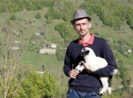 """VIDEO: Sandu Morariu din Câmpeni, judeţul Alba își caută jumătatea în cadrul emisiunii """"Gospodar fără pereche"""""""