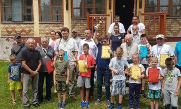FOTO: Succese ale şahiştilor albaiulieni la turneul internaţional de şah de la Gyula (Ungaria)