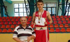 FOTO: Andrei Potra, sportiv legitimat la CS Unirea Alba Iulia, medaliat cu argint la Cupa României de Box pentru tineret
