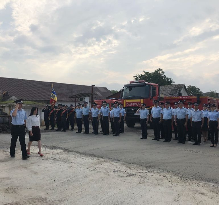 FOTO: Avansări în grad la ISU Alba. Ceremonial militar și religios pentru depunerea jurământului, pentru avansarea în grad a ofițerilor și subofițerilor