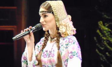 """FOTO-VIDEO: Regal folcloric autentic în Piaţa Cetăţii din Alba Iulia la Festivalul """"Cântec de suflet"""" 2018"""