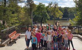 """FOTO: Excursie la Sibiu pentru copiii ocrotiți în Centrul de Zi """"Sfânta Varvara"""" din Baia de Arieș"""