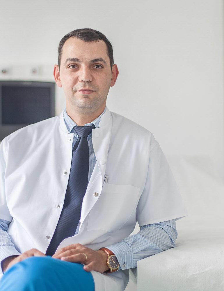 FOTO: Chirurgul plastician al Spitalului Județean de Urgență Alba Iulia, dr. Claudiu Filip, premiat pentru intervențiile microchirurgicale complexe, la Gala Zetta