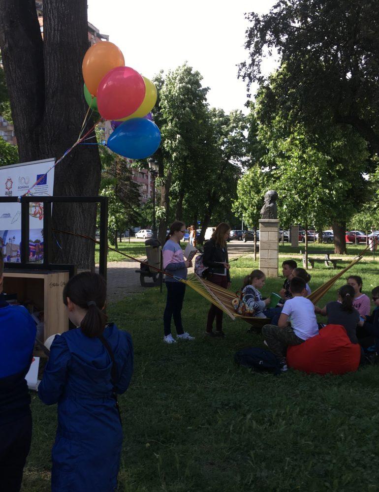 """FOTO: Biblioteca Județeană ,,Lucian Blaga"""" Alba susține activ proiectul  ,,Biblioteca urbană"""" al Primăriei Municipiului Alba Iulia"""