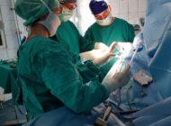 FOTO: Intervenție chirurgicală de protezare totală a umărului, realizată în premieră la Spitalul Județean de Urgență Alba Iulia