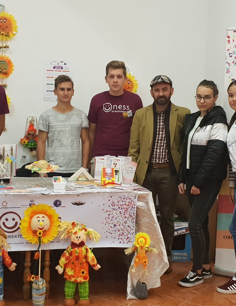 """FOTO: Târgul Firmelor de exercițiu la Colegiul Economic """"D. Pop Marțian"""" din Alba Iulia"""