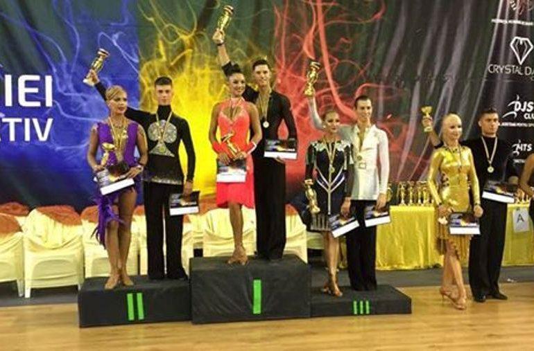 FOTO: Trei clasări pe podium pentru sportivii de la Life Is Dance, la Campionatul Naţional de Dans sportiv pe clase, desfăşurat la Cluj