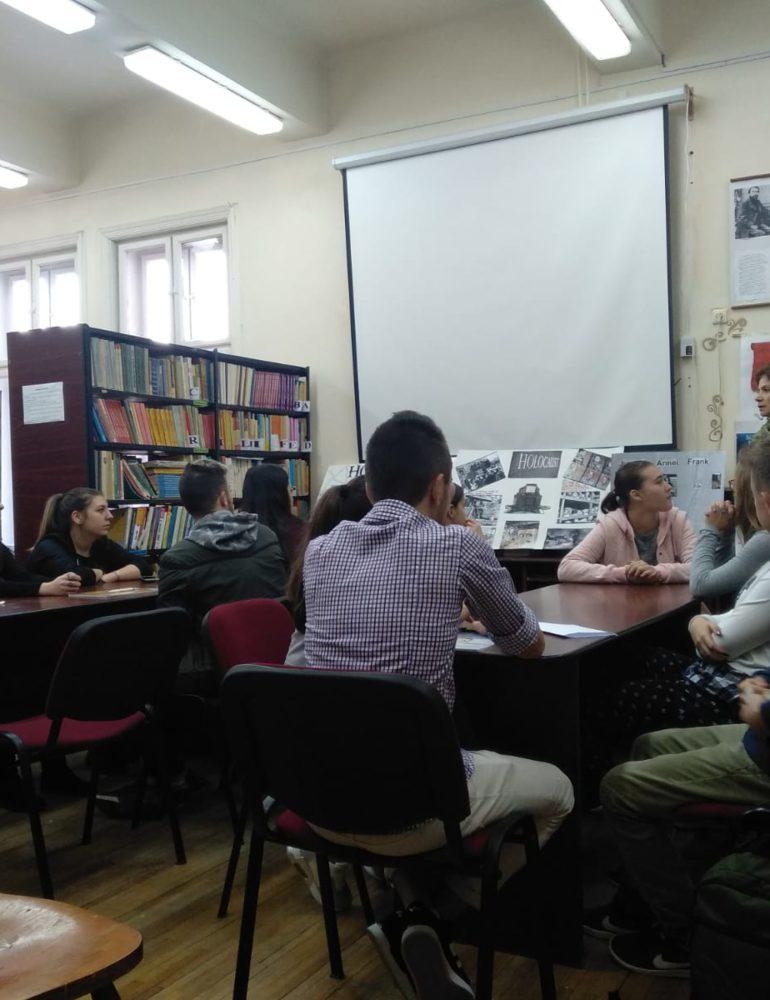 FOTO: Comemorare a Holocaustului, la Colegiul Economic din Alba Iulia