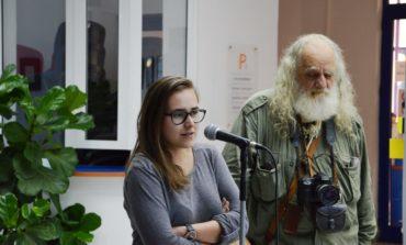 """FOTO: Tânăra artistă din Alba Iulia, Anca Sas, propune pentru începutul lui octombrie o expoziţie de artă plastică şi o lansare de carte cu titlul: """"37 de zile"""""""