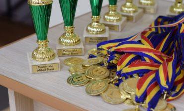 FOTO: Peste 100 de participanţi la Memorialul Mihail Breaz la şah. Juniorii de la CSM Unirea Alba Iulia au câştigat 7 cupe şi numeroase premii
