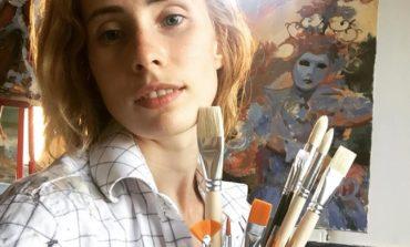 Şah şi pictură la Hotelul Transilvania din Alba Iulia. Şahista Maria Yughina din Sankt Petersburg va picta un tablou cu tematică şahistă dedicat Centenarului Marii Uniri