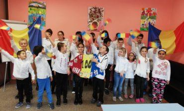 """FOTO-VIDEO: Ziua Națională a României sărbătorită la Centrul Educaţional de Zi ,,Sfântul Nicolae"""" din Alba Iulia"""