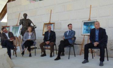 FOTO-VIDEO: Start pentru ArtFEST100. Patru zile în care expoziţii vor transforma Alba Iulia într-o autentică galerie de artă