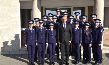FOTO: 16 tineri polițiști, absolvenți ai Școlilor de Poliție, și-au început activitatea la IPJ Alba