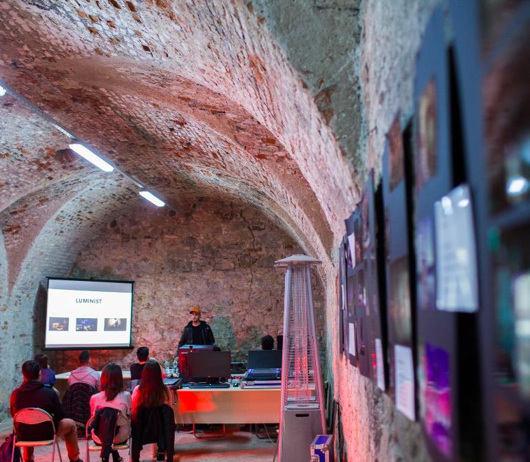 FOTO: Marea Unire a Creativilor@Alba Iulia este în plină desfășurare. În week-end vor avea loc Mini Festivalul organizat de tineri și Întâlnirea internațională a hub-urilor culturale