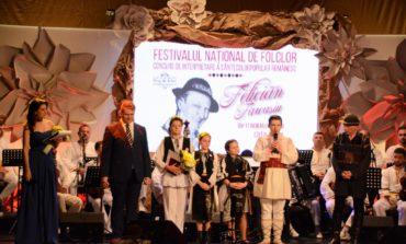 """FOTO: Ionuț Cocoș din Ialomița, marele câștigător al Festivalului Naţional de Folclor """"Felician Fărcaşiu"""" 2018. Lista completă a câștigătorilor"""