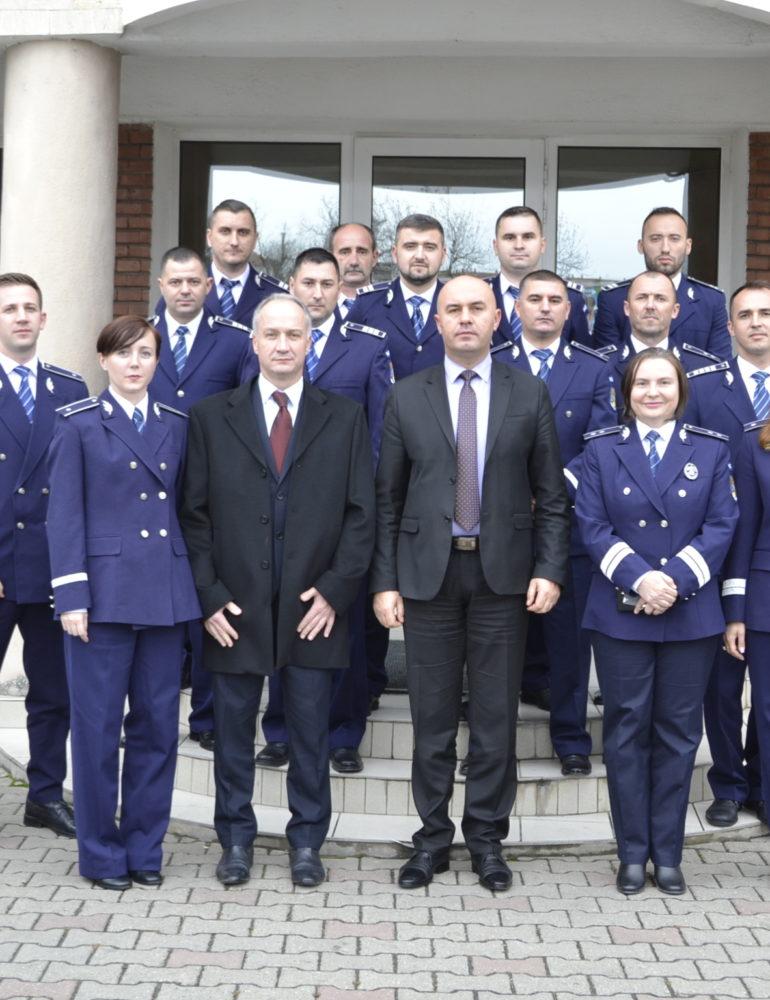 FOTO: 17 poliţişti din cadrul Inspectoratului de Poliţie Judeţean Alba au fost avansaţi în gradul profesional următor, înaintea îndeplinirii stagiului minim