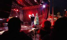FOTO-VIDEO: Colinde și cântece de Crăciun oferite de Fuego în Parcul Sărbătorilor de Iarnă de la Alba Iulia