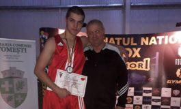 FOTO: Sportiv legitimat la CS Unirea Alba Iulia, medalie de argint la Campionatul Național de Box, la categoria semigrea