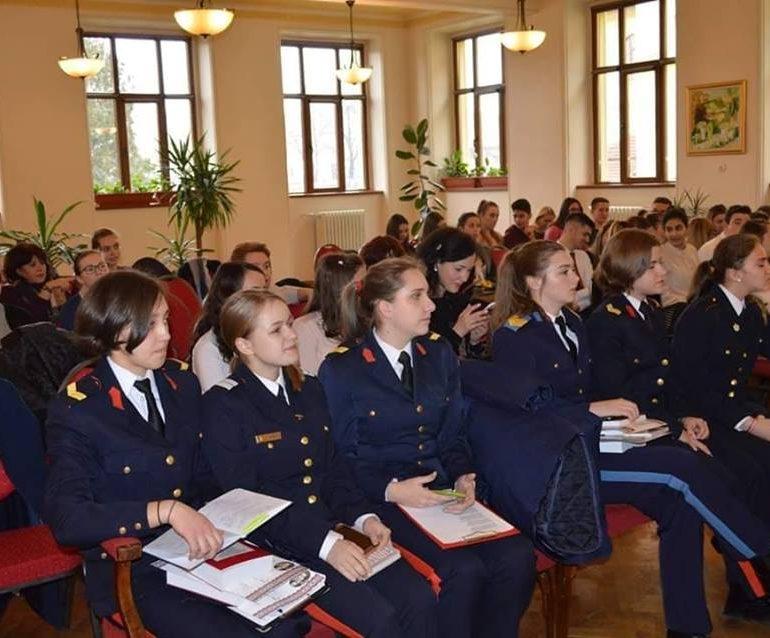 """FOTO: Elevi ai Colegiului Naţional Militar ,,Mihai Viteazul"""", premiați la Concursul Național de Poezie ,,Ocrotiți de Eminescu"""""""