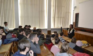 FOTO: Lecții educative pentru siguranța tinerilor, derulate de IPJ Alba