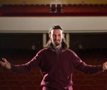 """(INTERVIU) Viorel Cioflică, sufletul trupei de teatru Skepsis din Alba Iulia: """"Grupul Skepsis este medicamentul pe care îl propun şi a cărui formulă o îmbunătăţesc continuu"""""""