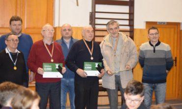FOTO: Banatu-i fruncea la Memorialul Hosszú Elemér. Petru Sebastian Ursan (CSS 1 Timişoara) a câştigat turneul de şah clasic de la Aiud