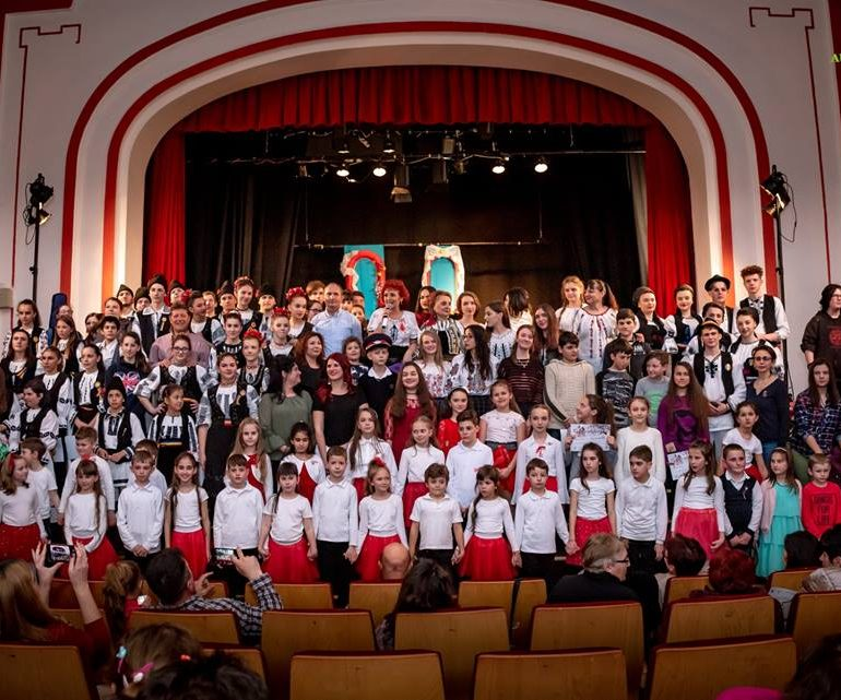 FOTO: Cursanții Școlii de Arte și Meșteșuguri au susținut primul eveniment cultural-artistic la început de primăvară