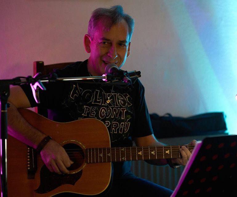 Astăzi: Seară de Folk cu Florin Paul Camen la Czech In La Vizitiu