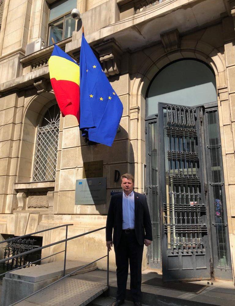Primarul Dorin Nistor a semnat contractul de finanțare nerambursabilă de 3,5 milioane de lei pentru o administrație modernă, la Sebeș