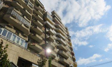 Începând de luni, 6 aprilie, Primăria Alba Iulia va trece la dezinfecția tuturor scărilor de bloc din municipiu