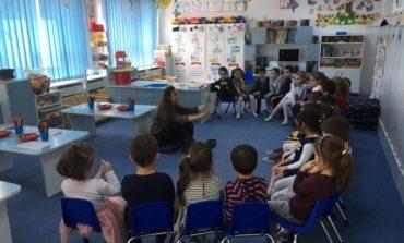 """FOTO:  Biblioteca Judeţeană """"Lucian Blaga"""" Alba prezentă cu lecturi interactive la Grădiniţa cu Program Prelungit """"Step by Step"""" nr.12"""