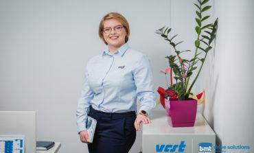 """Diana Dobra, una dintre angajatele model ale VCST: """"La VCST Alba există un mediu de lucru proactiv, competitiv..."""""""