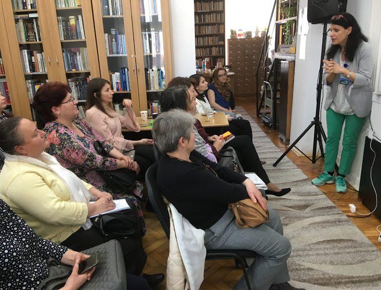 """FOTO: Fiecare copil merită o poveste – sesiune de formare la Biblioteca Județeană ,,Lucian Blaga"""" Alba"""