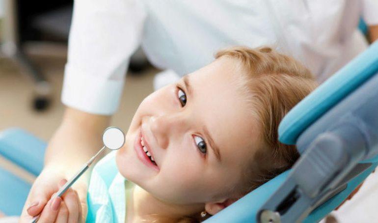 La Sebeș, se deschide primul cabinet stomatologic cu servicii gratuite destinate exclusiv copiilor