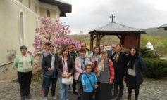FOTO: Pelerinaj pentru persoanele cu dizabilităţi din Alba Iulia, organizat din donaţiile cetăţenilor