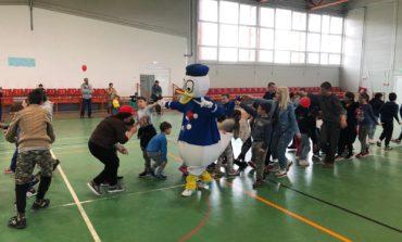 FOTO: Activităţi sportive şi jocuri interactive pentru copiii din Ocna Mureş şi Vama Seacă