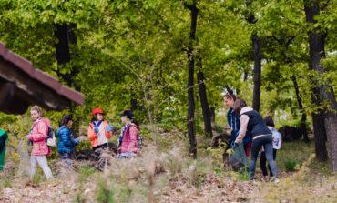 """FOTO: Acțiunea de ecologizare """"Fii voluntar de Ziua Pământului"""", la Alba Iulia"""
