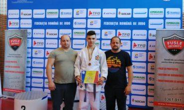 FOTO: Judoka legitimat la CS Unirea Alba Iulia, locul 3 la Campionatul Național Individual U16