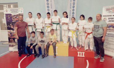 FOTO: Opt clasări pe podium pentru CS Unirea Alba Iulia la Etapa Euroregională a Campionatului Național de Judo de la Deva