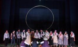"""De ASTĂZI încep """"Poveștile"""" la Alba Iulia. Programul detaliat pentru DUMINICĂ, la Festivalul Internațional de Teatru"""