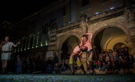 FOTO: Cetatea Alba Carolina a prins viață la Noaptea Muzeelor. Reconstituire istorică, ateliere antice și muzică
