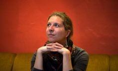 """VIDEO: Despre arta clovneriei și flamenco, cu artista de origine franceză, Elodie Hatton, la Festivalul Internațional de Teatru """"Povești"""""""