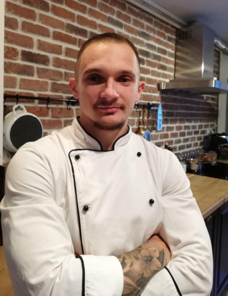 """INTERVIU: Flaviu Tothăzan – chef la Pub 13 """"Nu îmi plac lucrurile simple și mereu caut să îmi depășesc limitele."""""""